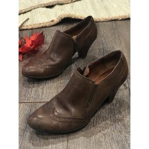 Born Brown Leather Shootie Ankle Boot Wingtip